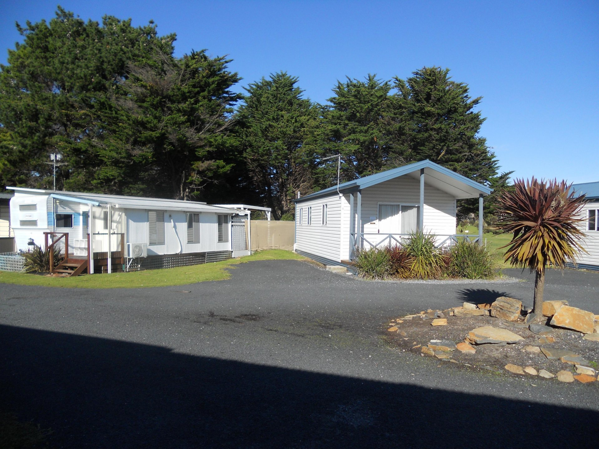 Best Value Tasmanian L/H Caravan Park O/O $495,000,4 f/hold cabins, average 2 yr net $110K pa